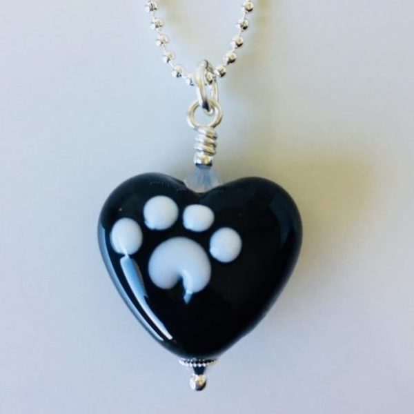 Black Glass Heart With Paws – Mini